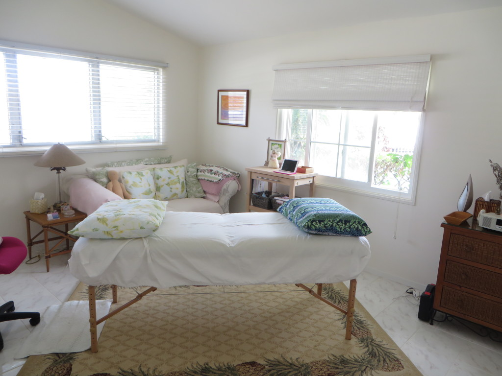 Bright and Airy Therapy Room